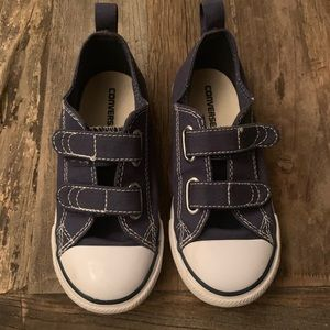 Converse All Star Chuck Taylor Boys US 10 / Velcro